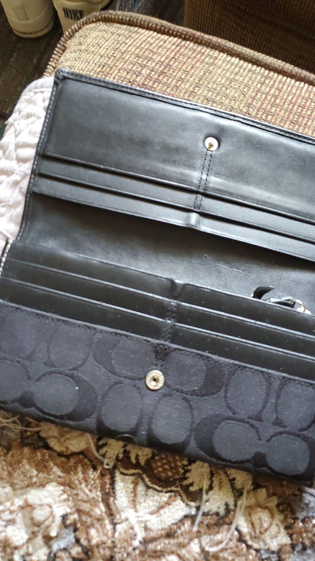 Coach bag matchin wallet