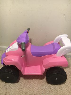 Power wheels with charger for Sale in Alexandria, VA