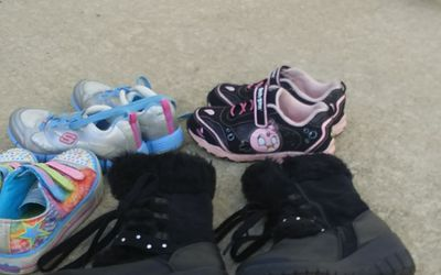Size 1 girls shoes Thumbnail