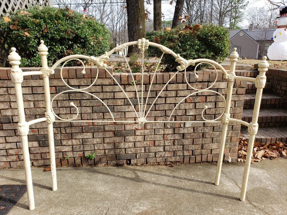 Wrought iron queen bed frame