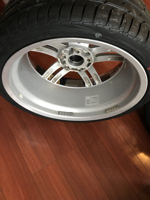 Staggered 20in chrome lip rims and New tires for Sale in Charles Town, WV
