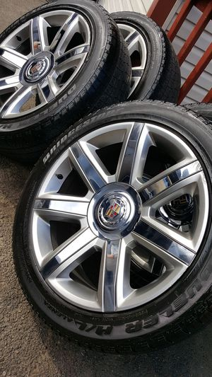 Photo 22 inch cadillac escalade wheels with tires