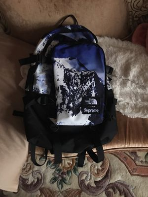 cc4ee3622a0 New and Used Supreme bag for Sale in Queens, NY - OfferUp
