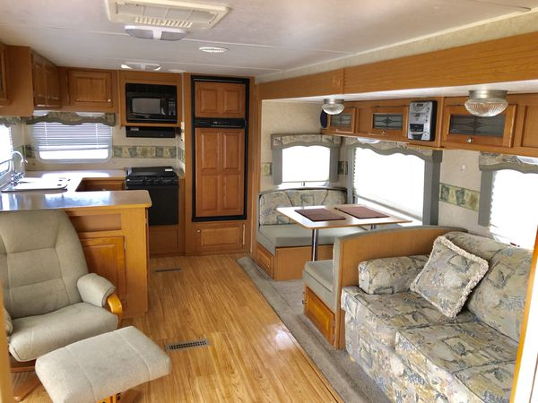 Travel Trailers For Sale Puyallup Wa >> 2006 Denali 29ft for Sale in Puyallup, WA - OfferUp