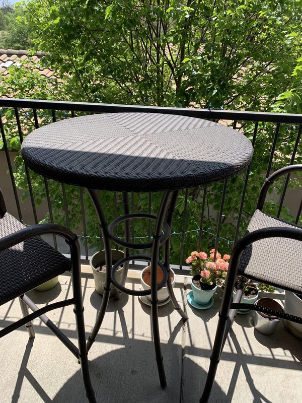 Pier 1 Imports Outdoor Patio Table With 2 High Chairs