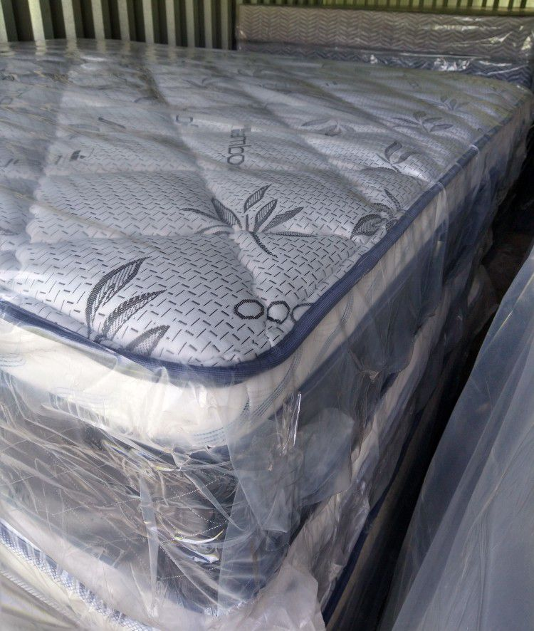 E.King Set Mattress Bamboo Pillow Top Orthopedic Medium Firm And Firm Mattress Brand New With Box Spring