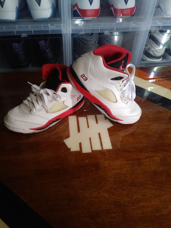 Jordan Retro 5 youth size 3 womens 4.5 (Clothing   Shoes) in Moreno Valley 2642420739