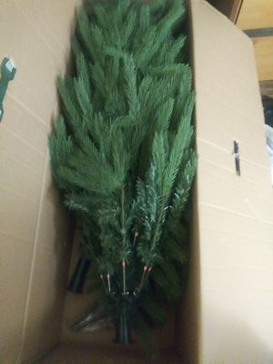 7 ft christmas tree w/white lights for Sale in Chantilly, VA