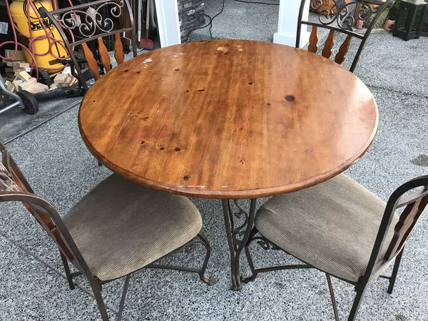 kitchen table and 4 chairs for sale in marysville wa offerup. Black Bedroom Furniture Sets. Home Design Ideas