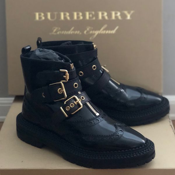 Burberry Black English Icons Everson Brogue Ankle Boot for Sale in Orlando,  FL - OfferUp