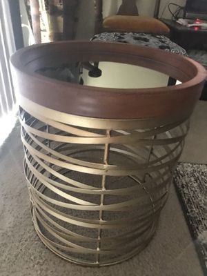 """25"""" round wood mirror top golden metal table check out my other items on this page message me if you interested gaithersburg md 20877 for Sale in Gaithersburg, MD"""