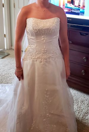 Maggie Sottero wedding dress for Sale in Boonsboro, MD