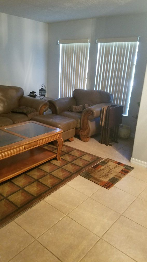 Hudson Furniture Real Leather And Very Comfortable Ing The Whole Set For In Orlando Fl Offerup