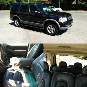 2002 Ford Explorer XLT 3rd row fully loaded for Sale in Silver Spring, MD