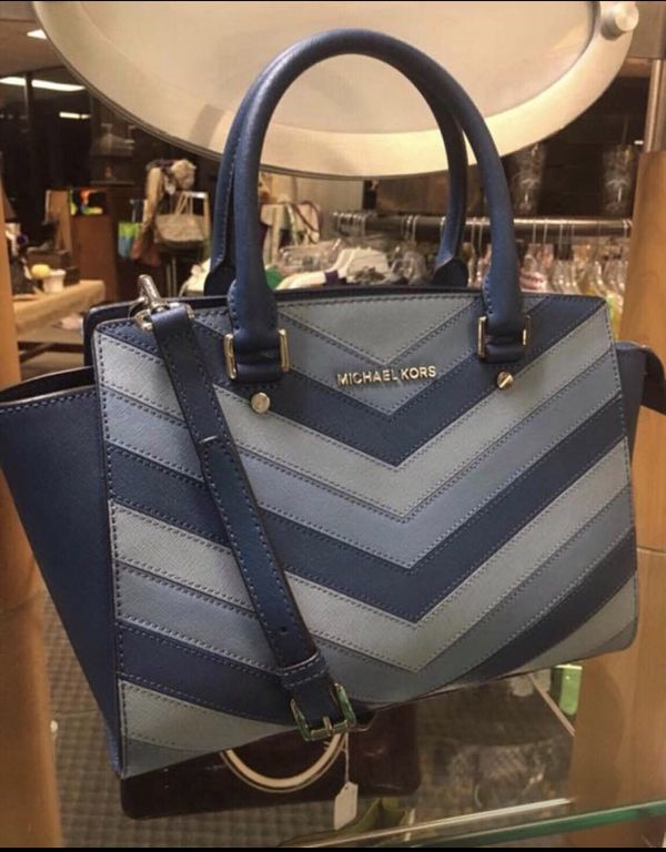 ace3e63fc262 MICHAEL Kors Selma Satchel for Sale in North Tazewell, VA - OfferUp