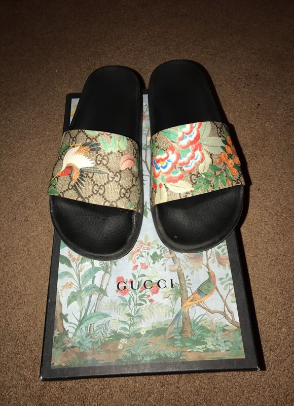 9b5c367086a1 Gucci Tian Slides Sandals Flip Flops for Sale in Scottsdale