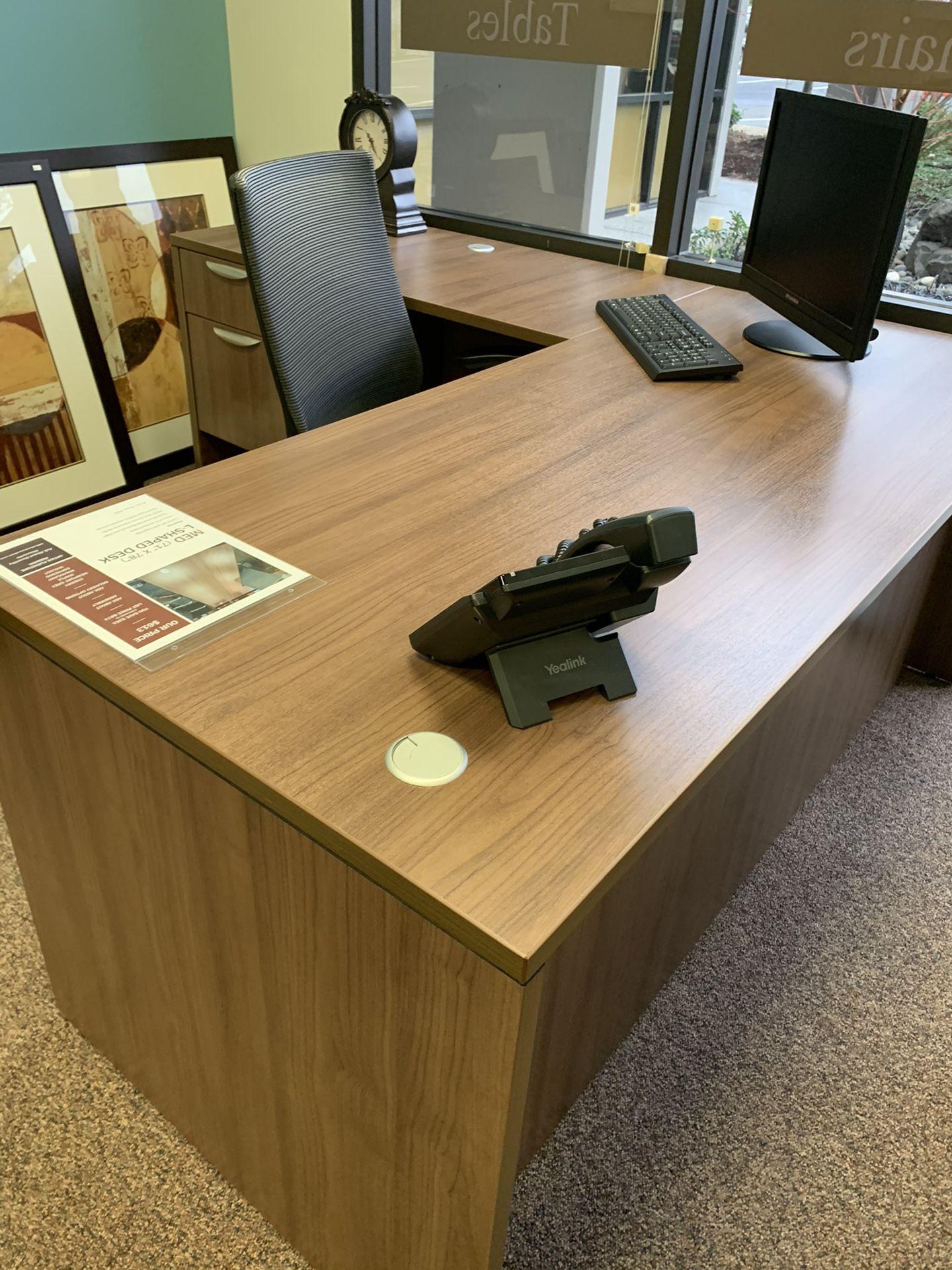 Modern walnut L-shape office Desk