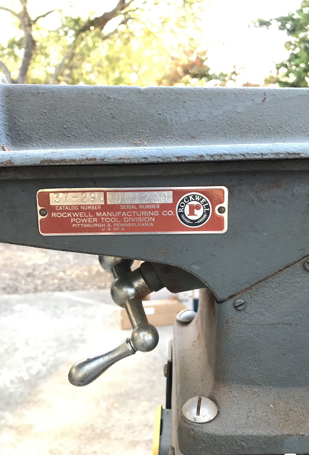 Delta Rockwell jointer with 1/2 hp electric motor