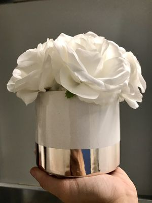 White faux potted roses for Sale in San Diego, CA