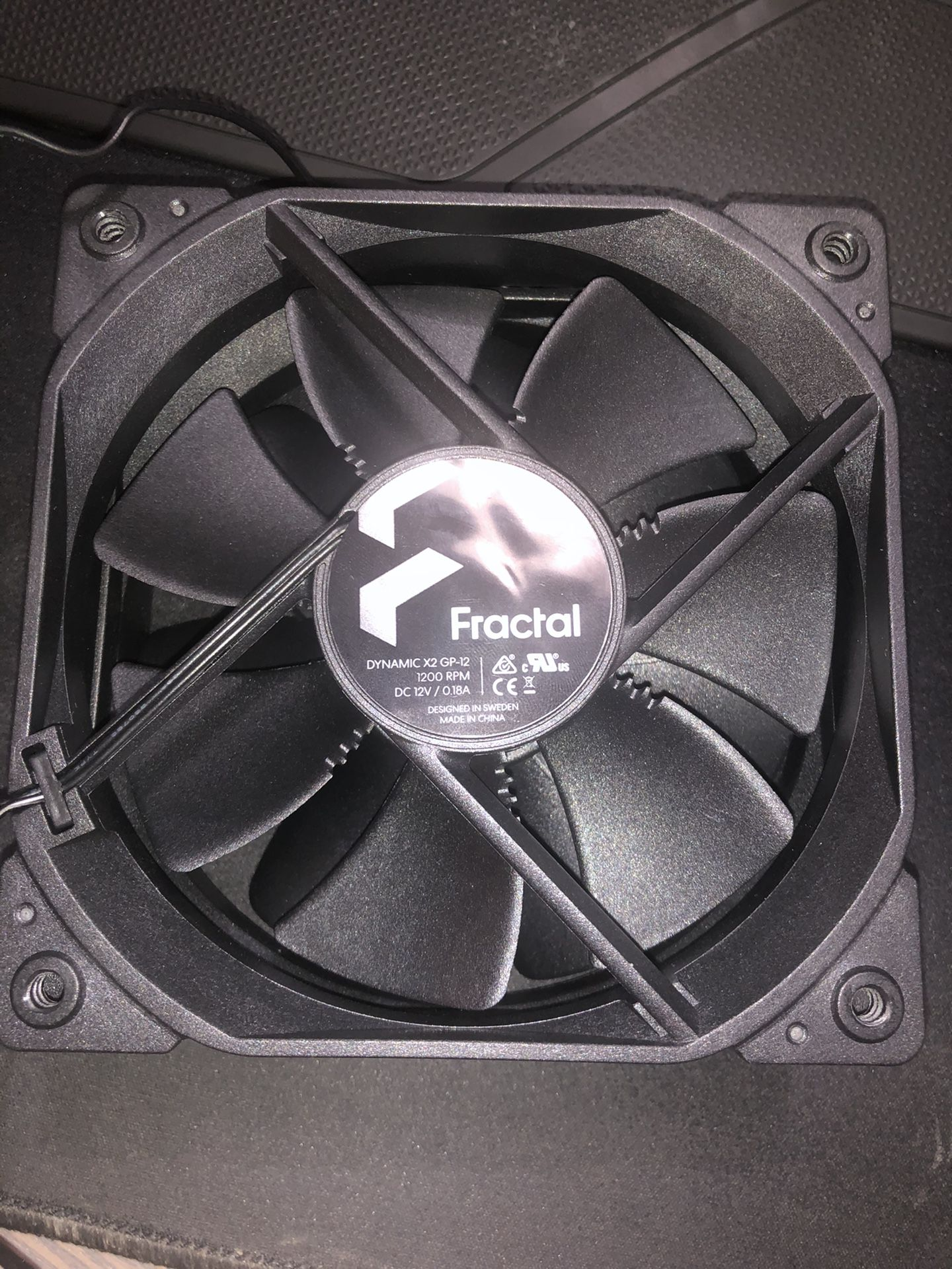 Fractal Design Dynamic X2 GP-12 (120mm 2x Stock Fans)