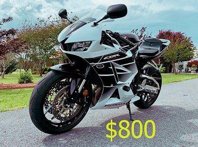 Photo  FOR SALE 2015 Honda CBR 600RR Final Price$800