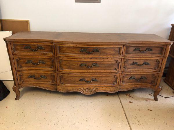Antique Henredon Dresser for Sale in Bluffton, SC - OfferUp