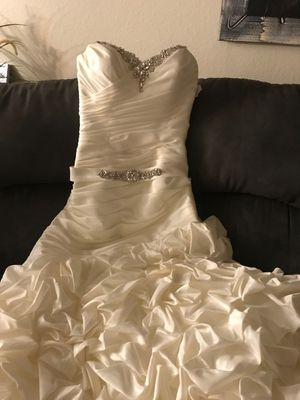 Alfred Angelo Wedding Dress Size 6 Nwt Never Worn For In Santa Ana