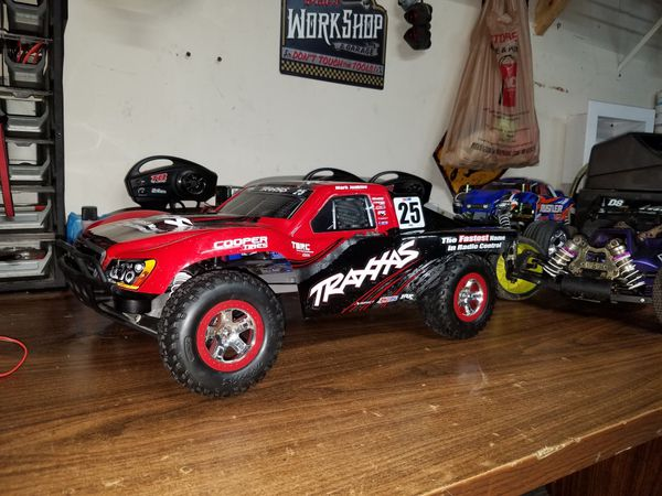 Traxxas Slash vxl brushless rc for Sale in Fort Worth, TX - OfferUp