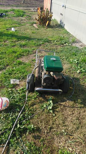 Gas powered pressure washer runs like a champ. for Sale in Oakdale, CA