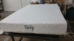 King Memory Foam Mattress with splits box spring we have all sizes at factory prices and deliveries available for Sale in Germantown, MD