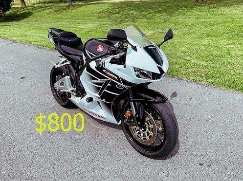 Photo 2015 Honda CBR 600RR$8OO