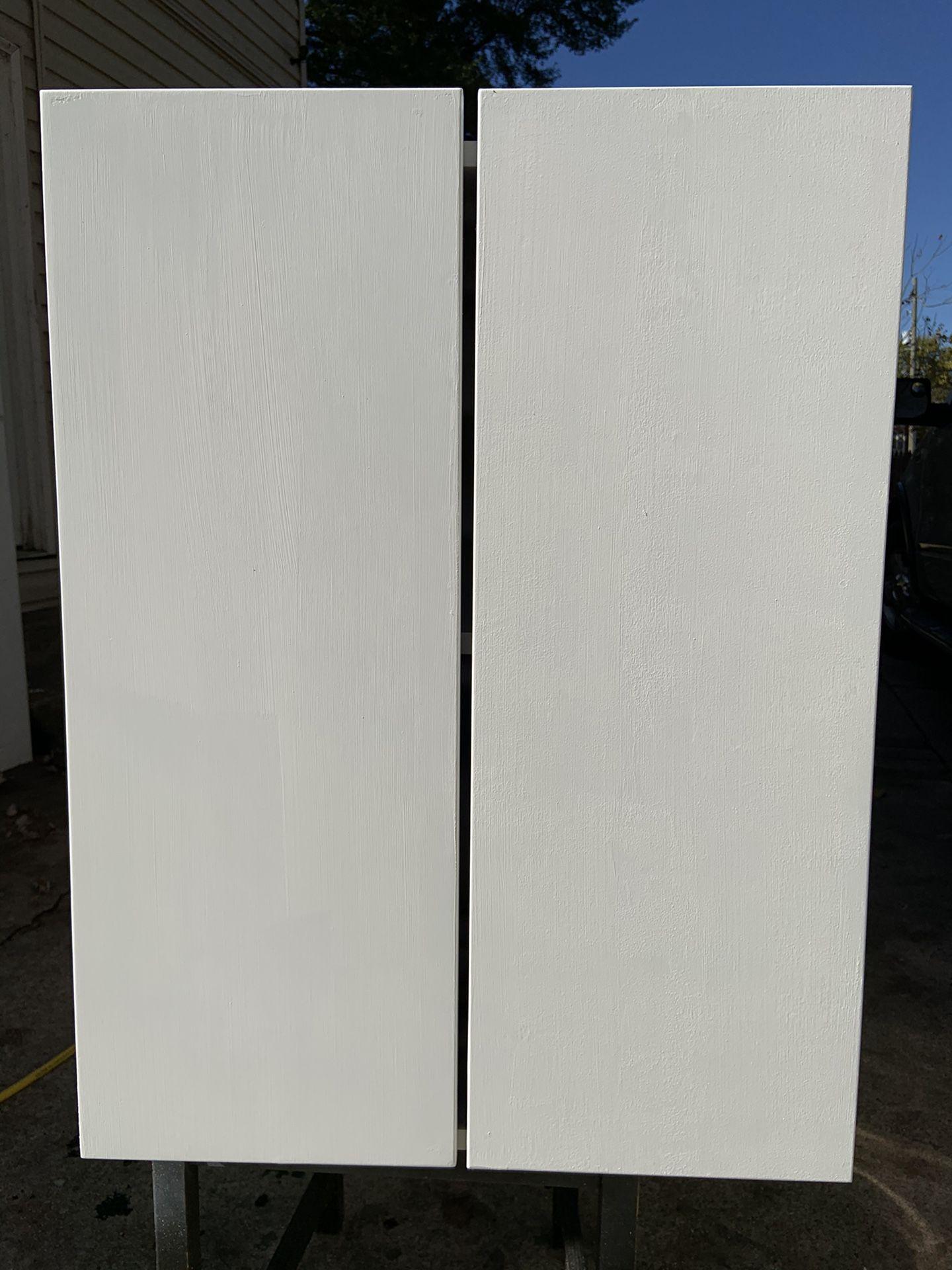 Se vende 2 gabinetes de 22.1/2 de ancho x 28.1/2 de alto