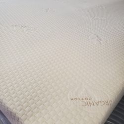 QUEEN SIZES MATTRESS HYBRID POCKETED COILS WITH MEMORY FOAM  Thumbnail