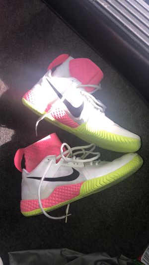 Nike 9.5 womens for Sale in North Charleston, SC