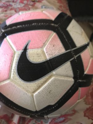 Photo Nike pink and black soccer ball (No Air in ball needs a pump)