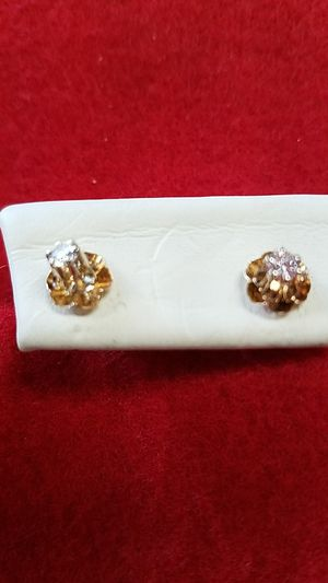 DIAMONDS AND GOLD EARRINGS for Sale in Saint Cloud, FL