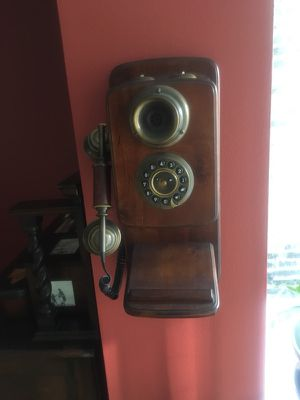 Antique Telephone for Sale in Chicago, IL