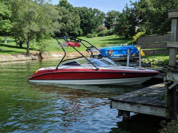 Bayliner wake challenger inboard v-drive boat