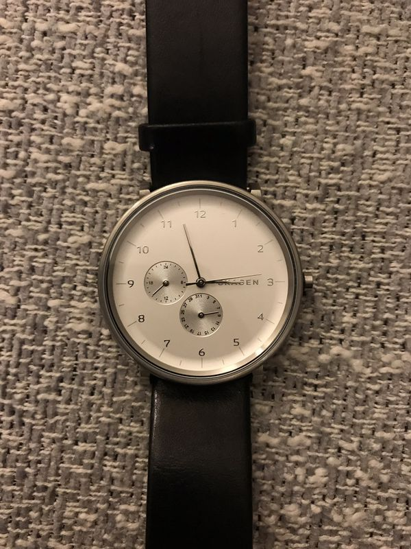 fd30bc83ff4 Skagen Classic Silver Face Black Leather Strap Watch for Sale in San ...