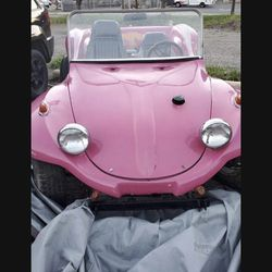 A 1970 Volkswagen dune buggy Thumbnail