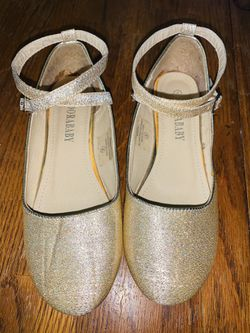 Girl's Size 4 Adorababy Gold Ankle Strap Shoes Thumbnail