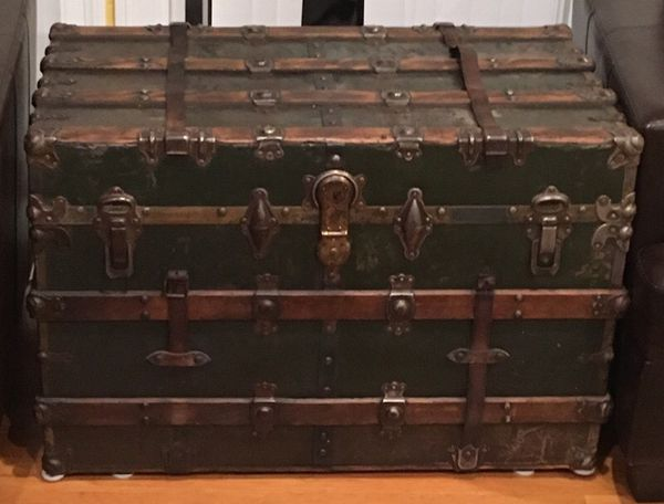 Vintage Wooden Steamer Trunk With Glass Top For Sale In