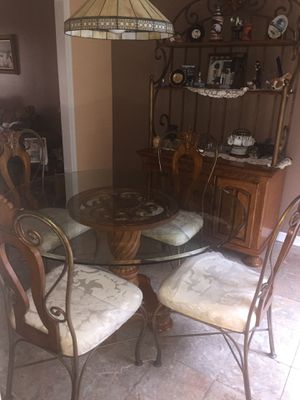 Dining room set, very good wood, or better offer for Sale in Laurel, MD