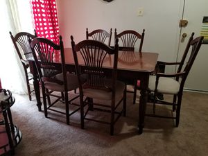 Dining Table with 6 chairs and leaf for Sale in Greenbelt, MD