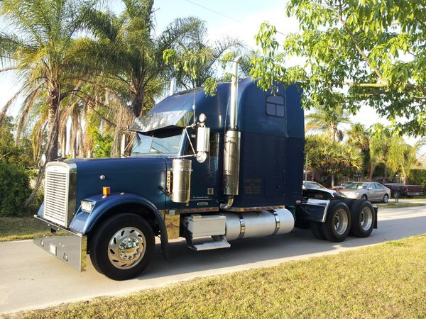 1997 Freightliner classic (Short Hood) for Sale in Miami, FL - OfferUp