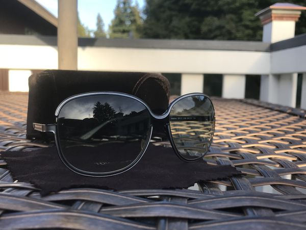 88d69d968f97d Tom Ford Delphine TF117 Sunglasses for Sale in Seattle