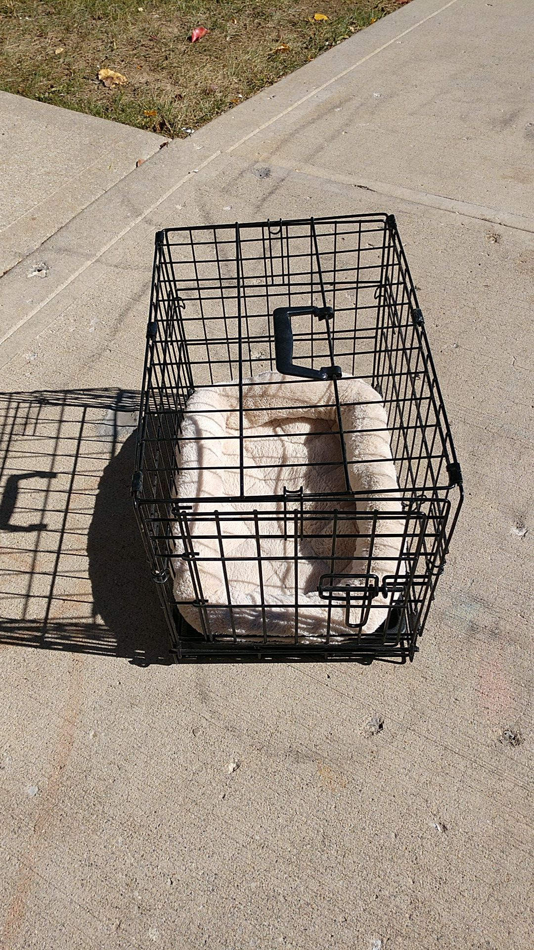 Small animal cage, with cushion .