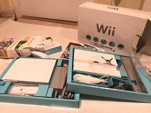 Nintendo wii in original box, second controls in original box for Sale in Seattle, WA