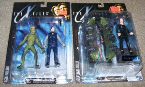 X-Files Collectibles Set for Sale in Montgomery Village, MD