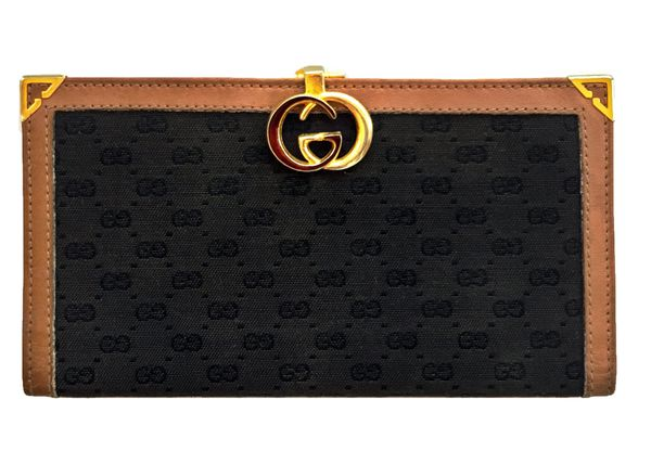 31e78f817b5234 Vintage GG logo GUCCI Wallet / Bi-Fold Clutch. Black&Beige/Camel Leather/Canvas.  Gold and Red enamel closure. GREAT CONDITION for Sale in Pensacola, ...